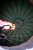 Myanmar Bagan Heißluftballon innen Flamme