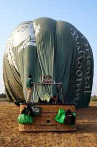 Myanmar Bagan Heißluftballon Landung