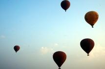 Myanmar Bagan Heißluftballons