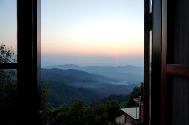 Myanmar Golden Rock Sonnenaufgang aus dem Bett genießen