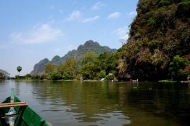Myanmar Hpan mit dem Boot wieder an den Anfang