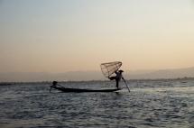 Myanmar Inle See organisierter Fischer