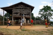 Myanmar Kalaw Sport im Dorf