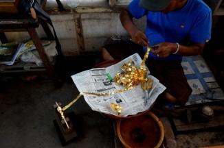 Myanmar Mandalay Blattgoldherstellung