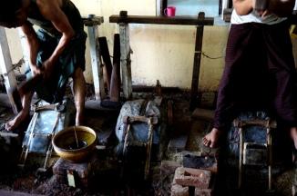 Myanmar Mandalay Goldschläger