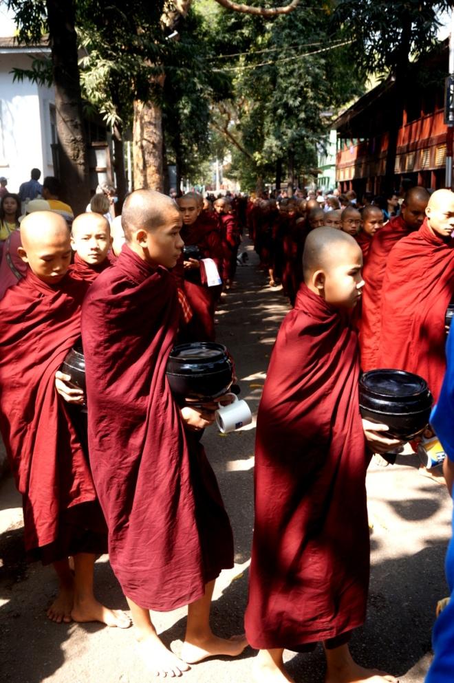 Myanmar Mandalay Umgebung Mönche