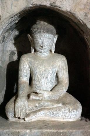 Myanmar Mrauk U Shittaung Tempel Buddhafigur