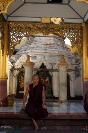 Myanmar Shwedagon Pagode Mönch