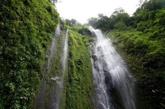 Nicaragua: Ometepe Cascada San Ramon