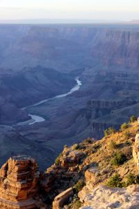 USA: Blick in den Grand Canyon auf den Colorado River