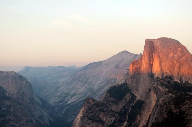 USA: Yosemite Half Dome am Abend
