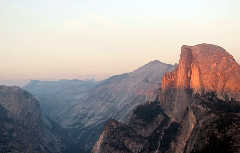 USA: Yosemite Half Dome am Abend