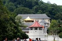 Sri Lanka Kandy Zahntempel von außen